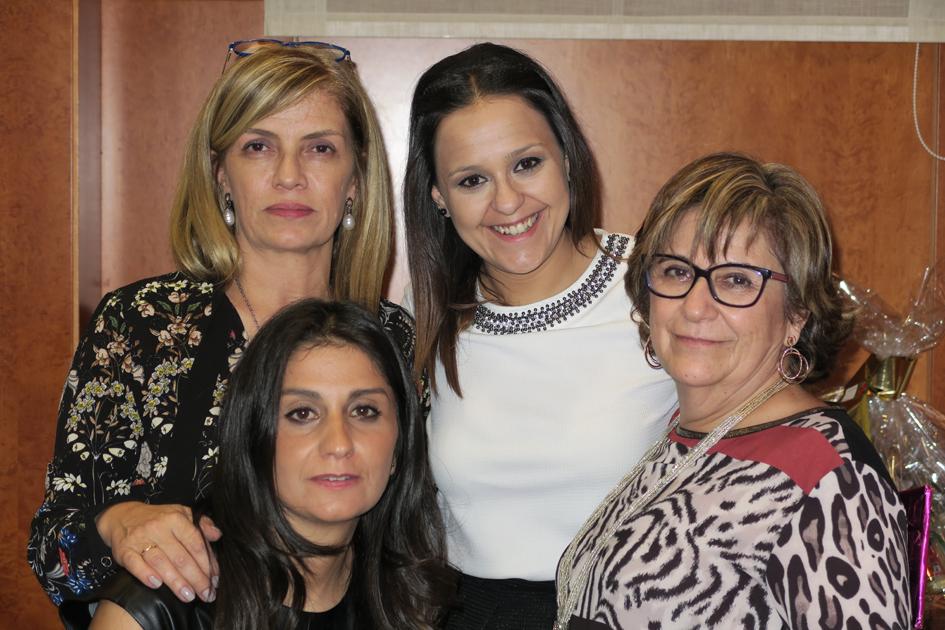 Esther Amaro, Sonia Núñez, Covadonga Delgado y otra invitada a la cena